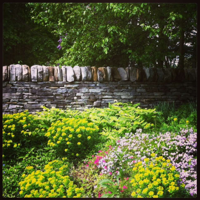dry stone features ontario canada landscaping